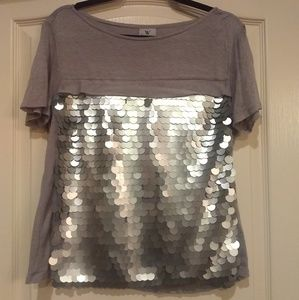Gray tee with shiney discs